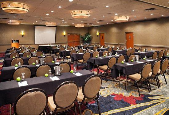 Roseville, MN: Meeting room