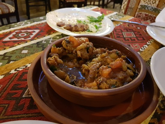 Dolma Restaurant: Sliced lamb meat