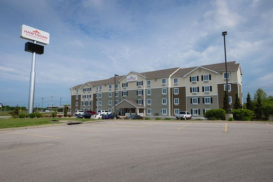 Hawthorn Suites by Wyndham St. Robert/Ft. Leonard Wood: Hotel exterior