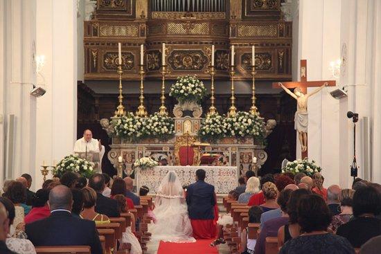 Chiesa di santo Stefano: Церемония