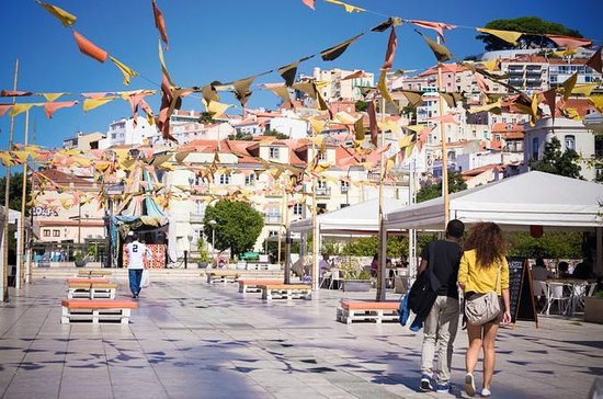 Experience Lisbon: Small-Group ...