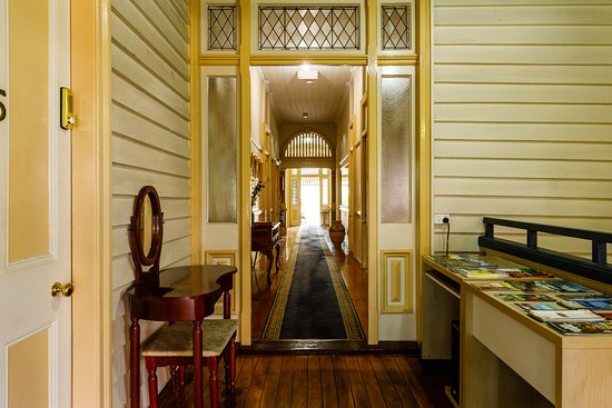 Bowen Terrace Accommodation: Tourist Information