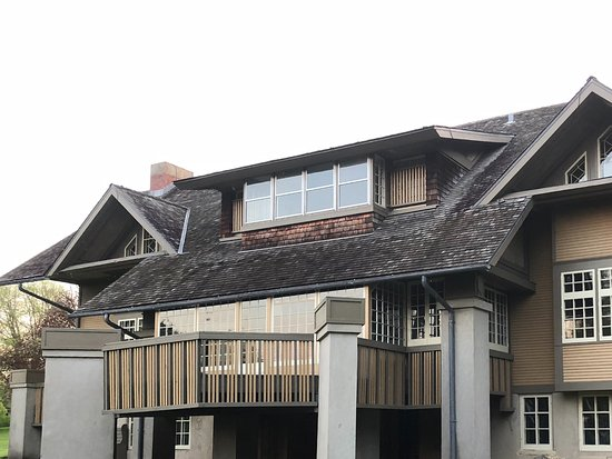 Fabyan Villa Museum & Japanese Garden: Early FLW remodeled farmhouse from back