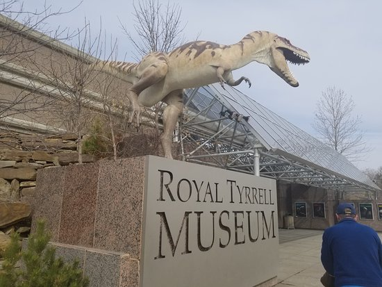 Legendary Travels Day Tours: Entrance into museum