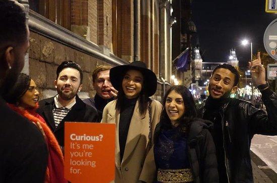 Tour serale a piedi per piccoli gruppi del quartiere a luci rosse e