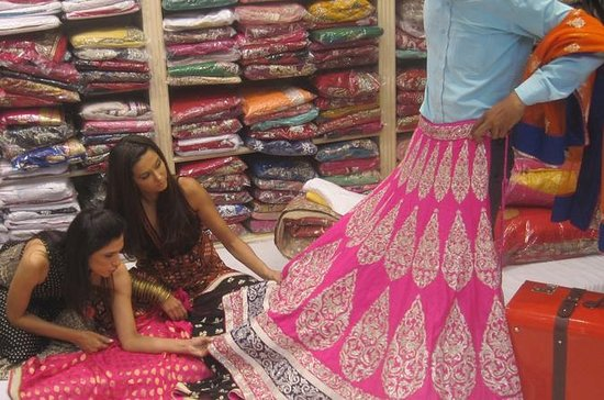 Guided Shopping Tour of Delhi ...