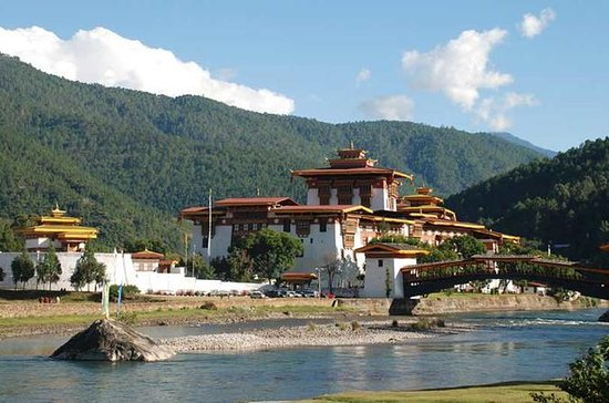 8 Days Bhutan Cultural Tour with 2...