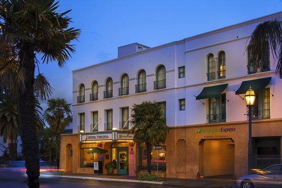 Holiday Inn Express Santa Barbara: Exterior