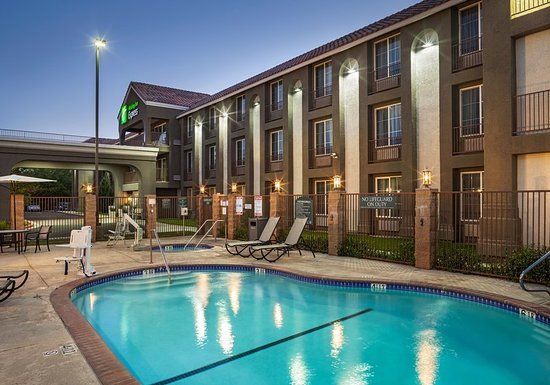 Holiday Inn Express Lancaster 99 1 1 9 Updated 2018 Prices Hotel Reviews Ca