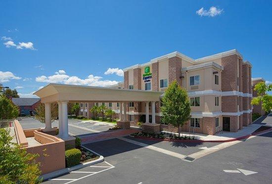 Holiday Inn Express Livermore 144 ̶1̶6̶4̶ Updated