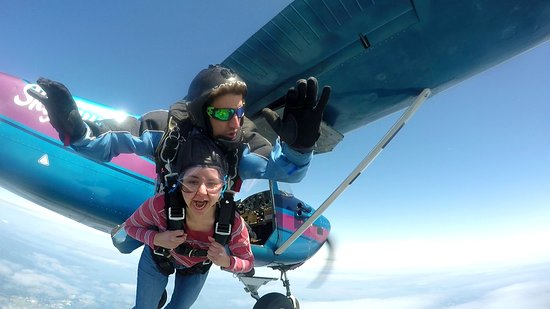 Victoria Skydiving: Come experience Victoria at 10,000 ft!