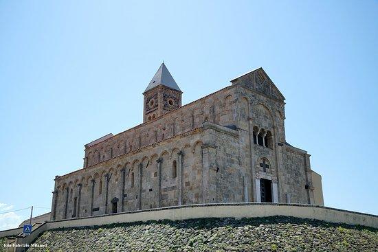 Chiesa di Santa Giusta: Insieme e lato sinistro