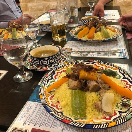 مطعم الوادي  حلال: photo1.jpg