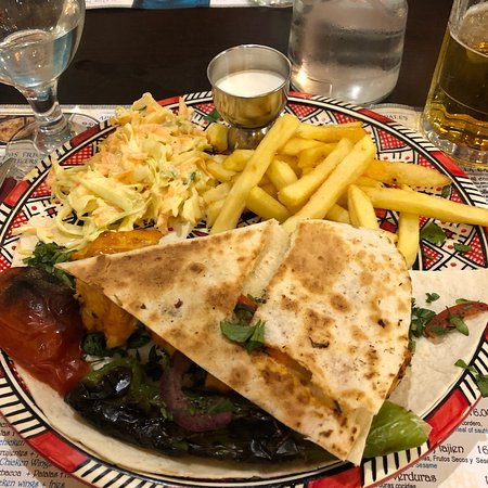 مطعم الوادي  حلال: photo2.jpg