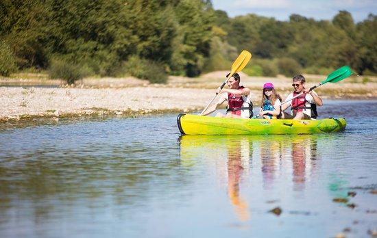 Mosnes, França: Location de canoë au camping