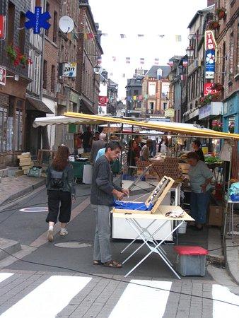 Cormeilles, France: marché le vendredi