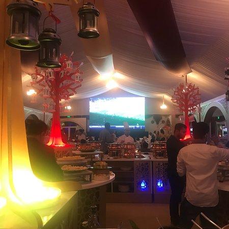Jebel Ali, Ηνωμένα Αραβικά Εμιράτα: احلى افطار في رمضان عام ٢٠١٨