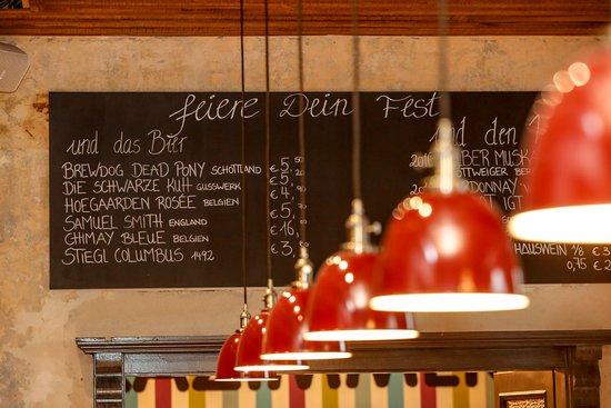 Daghofer's Bar Grill Restaurant: Bar