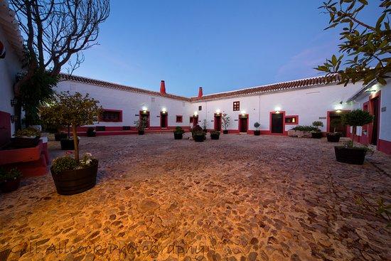Herencia, Hiszpania: Patio Habitaciones