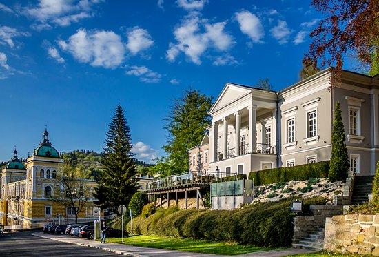 Hochmut Kommt Vor Dem Fall Gourmet Hotel Villa Patriot Marianske
