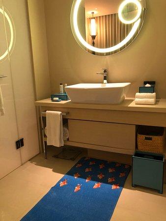 Hotel Indigo Hong Kong Island Photo