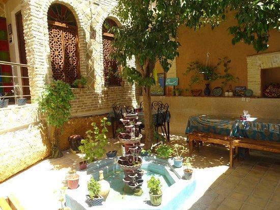 Raz Traditional House