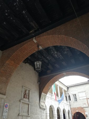 Broletto: Cortile interno