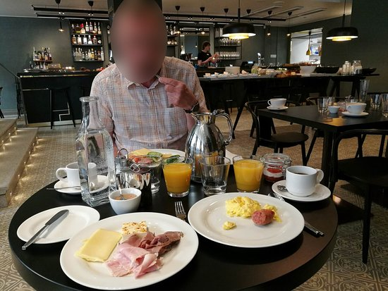 Hotel St George : Breakfast