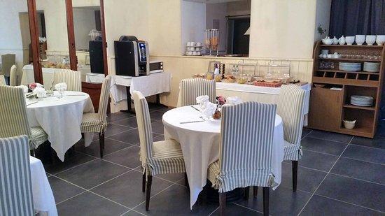 Brion, France: Espace petit-déjeuner Gourmand