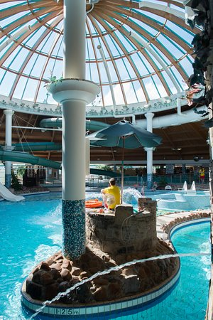 Swim around the river rapids picture of aqua dome - Hotels in tralee with swimming pool ...
