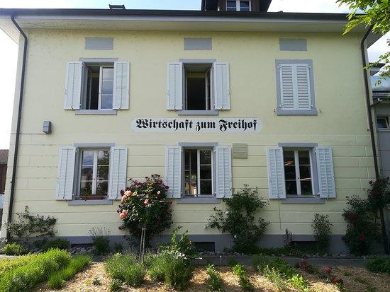 Knonau, Sveits: Wir verwenden Gartenkräuter in unseren Gerichten