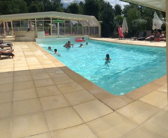 Piscine Couverte Chauffee Picture Of Camping Le Paradis Saint