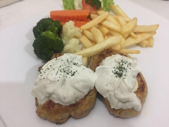 Mickey Restaurant: Porkfilet with Roqefort sauce