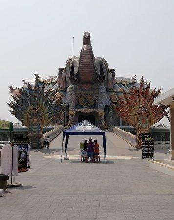 Dan Khun Thot, Thailand: Wat Ban Rai