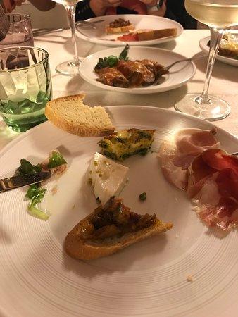 Ficarra, Italy: Große Auswahl an Antipasti <3