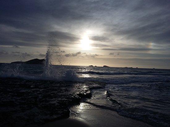 卡拉科莫特沙灘照片
