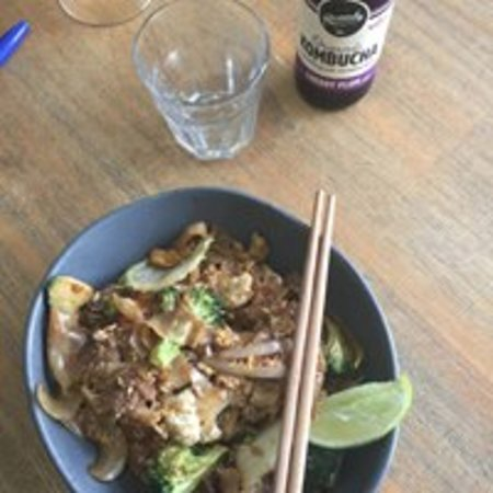 Coolum Beach, ออสเตรเลีย: Our delicious Pad See Ew Veg/Vegan Or Chicken Lunch Special