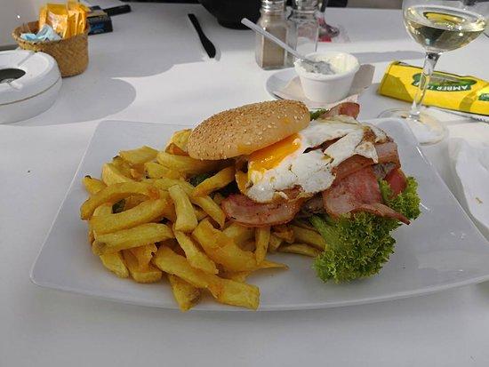 Puig d'en Valls, Spain: hamburger