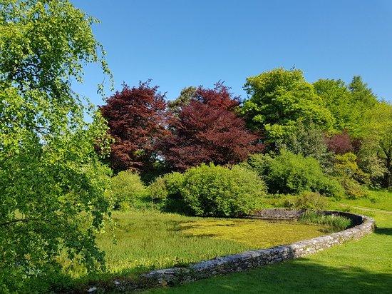 Kendal, UK: Beautiful gardens.