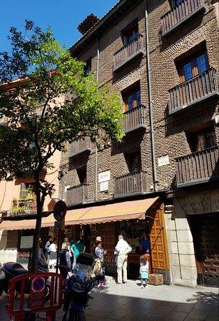 Restaurante Botin: world's oldest continuesly running restaurant .