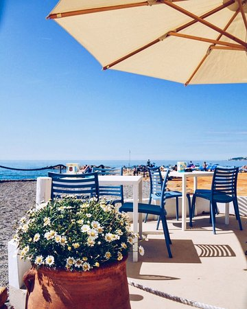 Ospedaletti, Italie : La Scogliera Beach