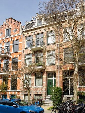 Bij-de-Amstel: Exterieur Burmanstraat 9