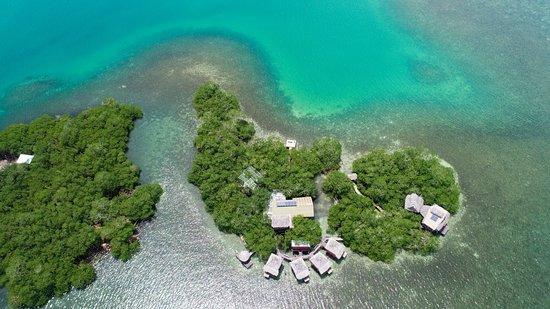 Isla Popa, Panama: Hotel area view