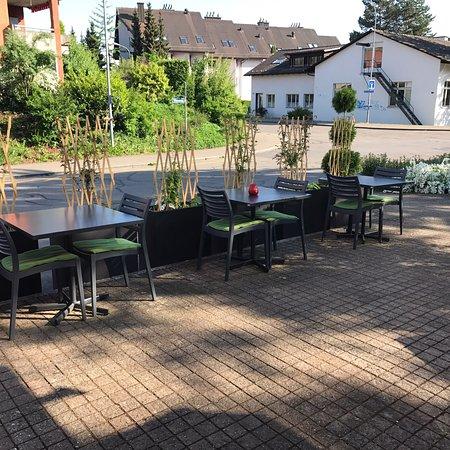 Bassersdorf, Suíça: Neu gestaltete Terrasse