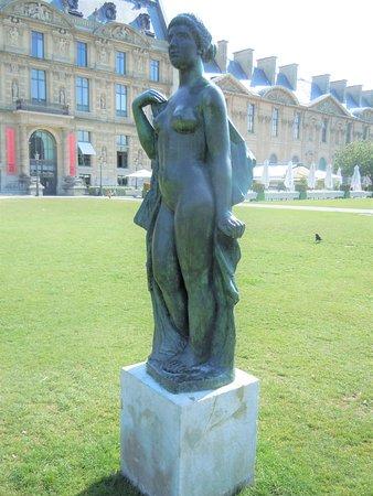 Statue La Baigneuse Drapée