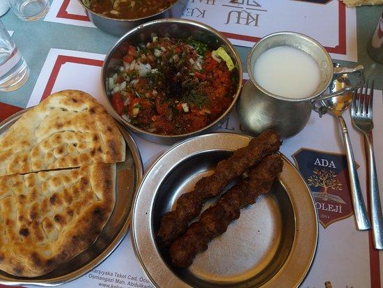 Kebapci Halil Usta: kebab ve salata