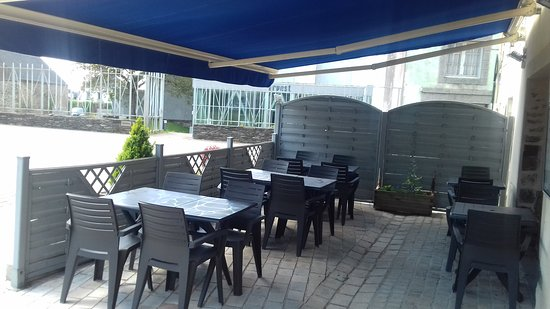 Pleyben, France: terrasse