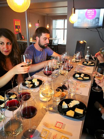 Not Your Usual Wine bar - Vin bar: wine and cheese tasting
