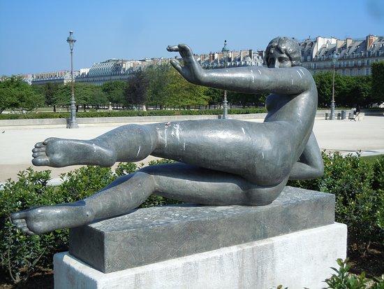 Statue L'Air: Détail de la sculpture