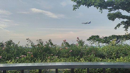 FM7 Resort Hotel Jakarta: 頂樓可以看飛機